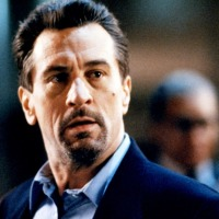 Neil McCauley (Robert DeNiro)